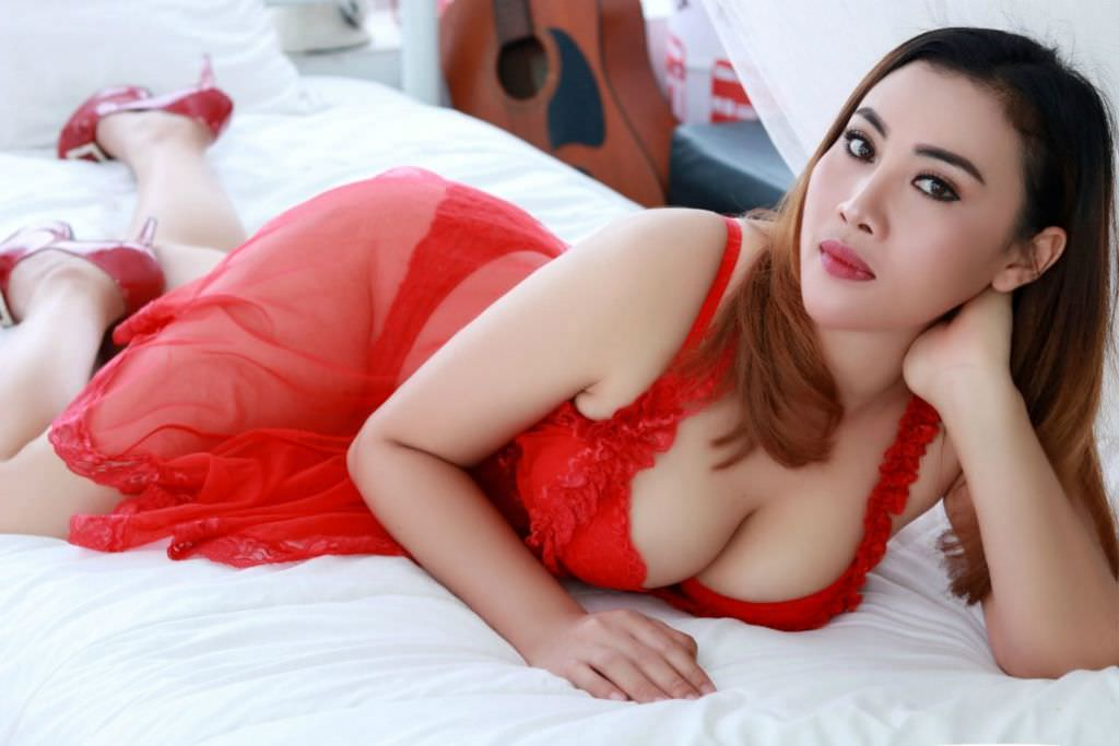 We provide couple massage in Bangkok with full service and happy ending